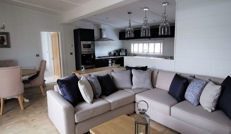 Prestige-Hampton-Lodge-50x22-4